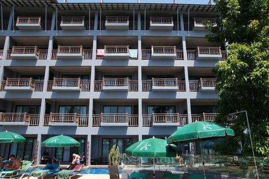 Krabi Cha-Da Resort: Вид из бассейна