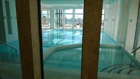 Real Marina Residence: indoor pool