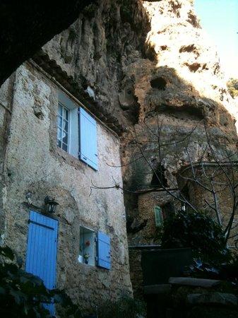 La Licorne Guest House: the village of Cotignac