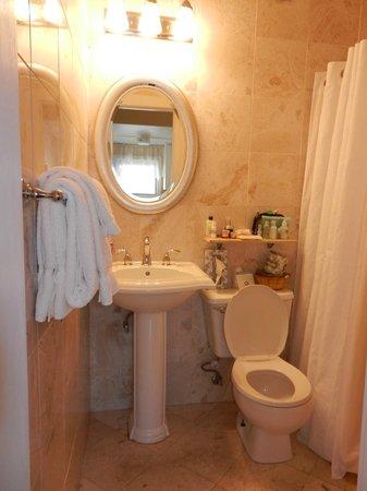 Duval Gardens: Salle de bain