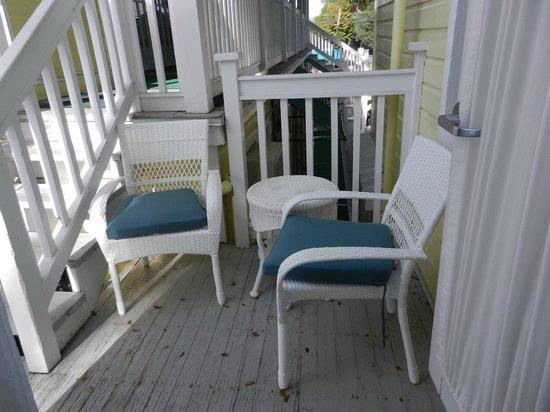Duval Gardens : Espace extérieur adjacent à la chambre # 25