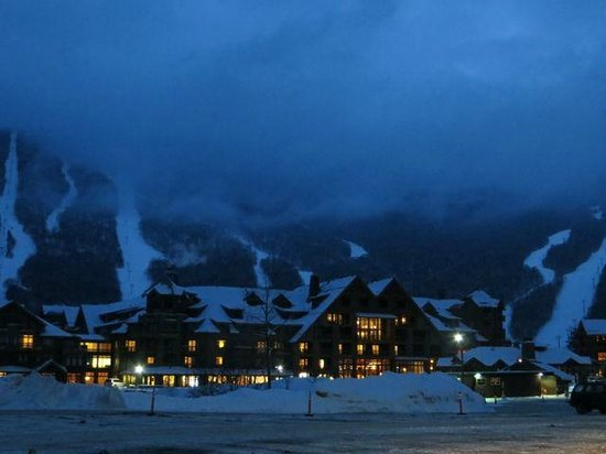 Stowe Mountain Lodge : Stowe Mt Lodge- Vermont- Blue Hour Lighting