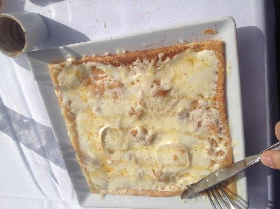 Sugar & Spice Restaurant: Crep relleno de bacon,queso