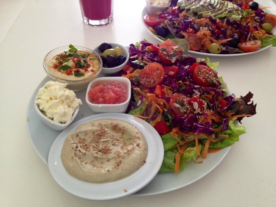 Ginger Cafe : Try the Babaganoush - can thoroughly recommend