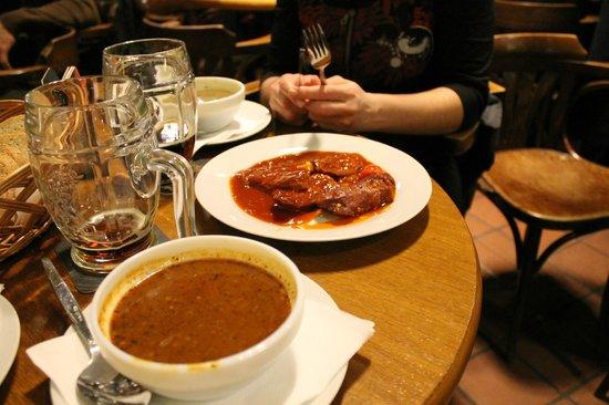 U Vejvodu: Zuppe e salsicce