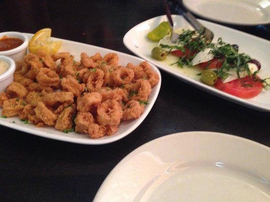 Mama Ricotta's : Fried Calamari and Fresh Mozzarella w/tomato