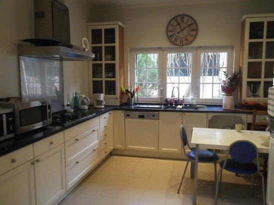 Estoril Beach House: Cozinha