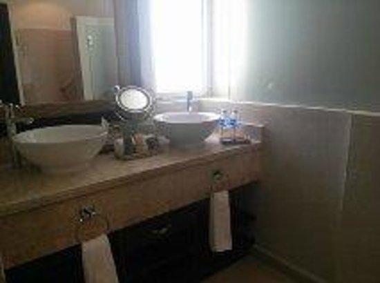 El Dorado Royale, by Karisma : Bathroom
