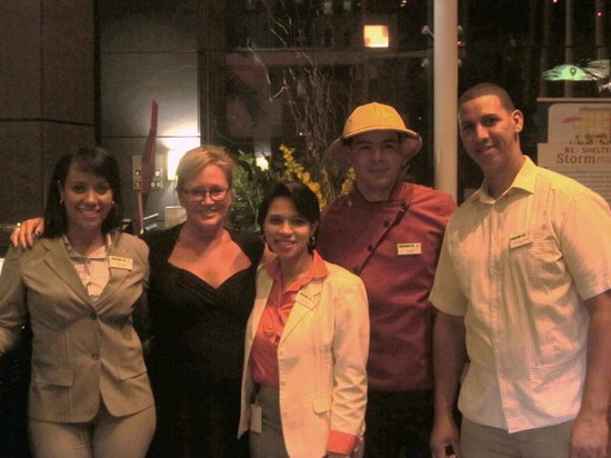 Holiday Inn Santo Domingo: People at the front desk who helped during my stay