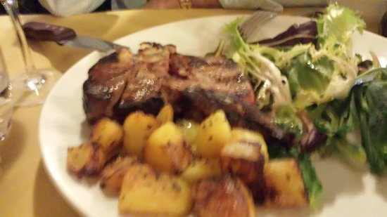 Osteria Cipolla Rossa: Bistec a la Florentina...buenísimo!!! Muy suave...27 euros...lo compartimos entre dos con una en