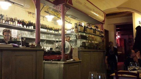 Osteria Cipolla Rossa: El lugar muy agradable y el servicio muy bueno. Lo recomiendo!!!