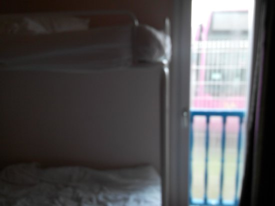Comfort Hotel Lagny-sur-Marne : Inside the room
