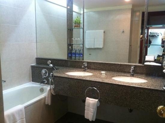 Amari Watergate Bangkok : room2405