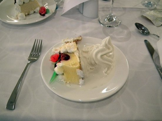 Riviera Beachotel: I was forced to eat this!!!