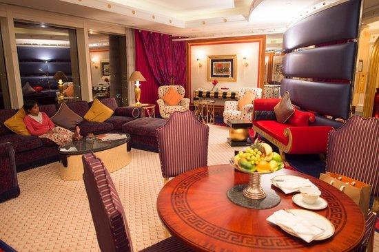 Burj Al Arab Jumeirah: Living room area