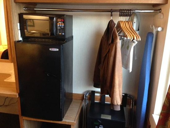 Sleep Inn : Good sized fridge and microwave included.