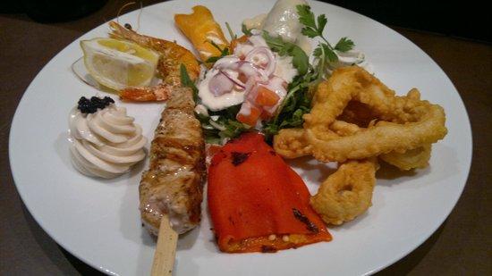 De griekse Pirateke : huisgemaakt griekse tapas(meze) op de wijze van de ladychef