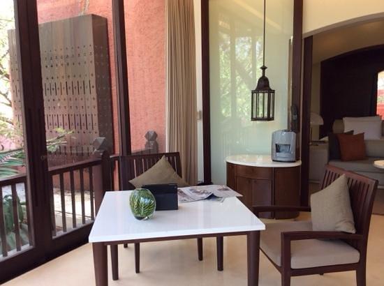 Hyatt Regency Hua Hin : part of the sitting room