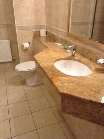 Bracken Court Hotel: luxury in the bathroom