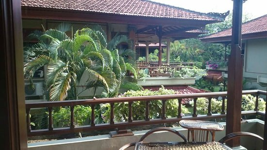 Bali Tropic Resort and Spa : View from upstairs bungalow