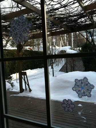 Au Saut Du Lit : Outside view from our Breakfast Table