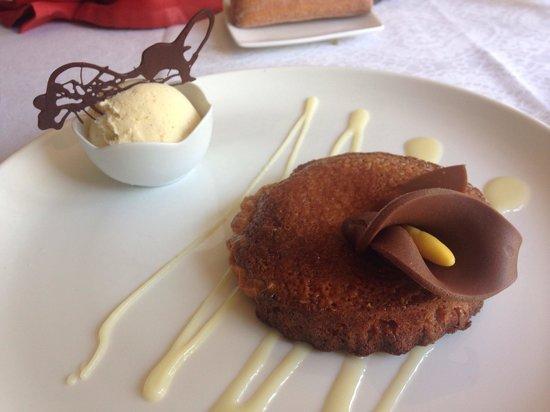 Restaurante Casa Vieja del Sastre: Tarta de avellana.
