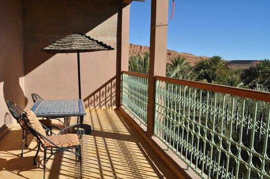 Maison Vallee Du Ziz: La terrasse du 1er étage, vue sur la palmeraie