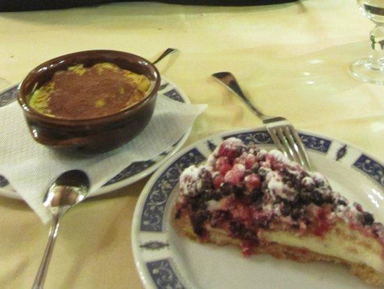 Antico Fattore : Tiramisu and cake