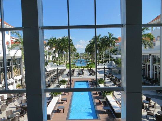 Hotel Riu Palace Mexico: View from lobby