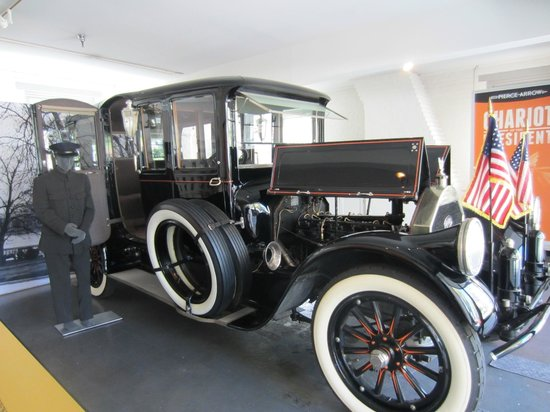 Woodrow Wilson Presidential Library and Museum: 1919 Pierce-Arrow Limousine
