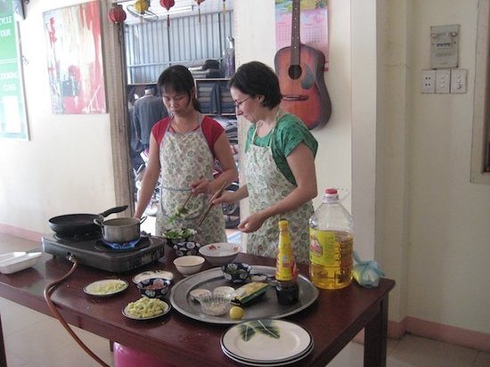 Hoi An Villa River View : cooking class with villa rivrview1