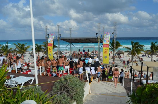 Grand Oasis Cancun : Beachparty