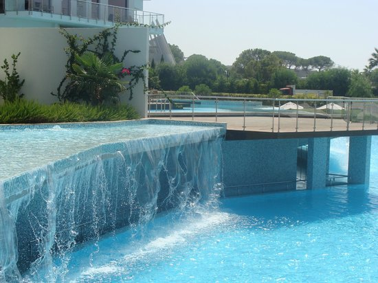 Cornelia Diamond Golf Resort & Spa: Бассейн