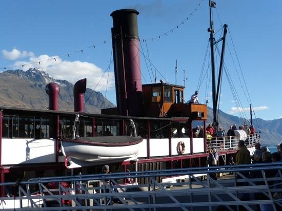 Walter Peak Evening Dining Excursions - Real Journeys: the TSS Earnslaw at port