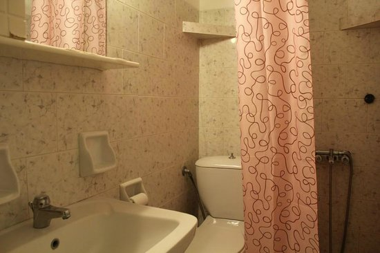 Country House: bathroom