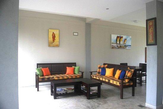 Serein Beach Hotel: Lounge
