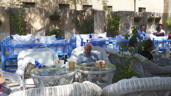 Arabian Tea House Cafe: le comode poltrone