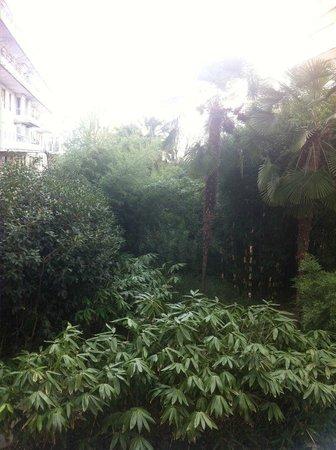 Citadines Didot Montparnasse: Vue côté jardin