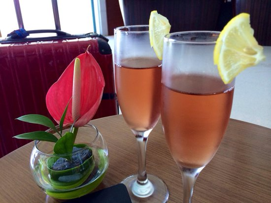 The Kuta Beach Heritage Hotel Bali - Managed by Accor: Welcome drink upon check in