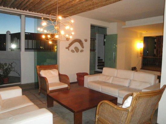 Hotel Mandragora: Living en area comun