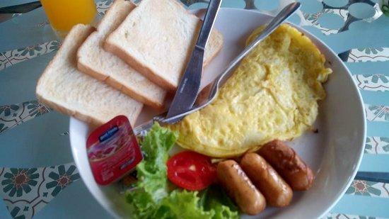 Good Times Resort: Desayuno correcto.