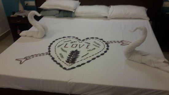 Santana Beach Resort : towel art