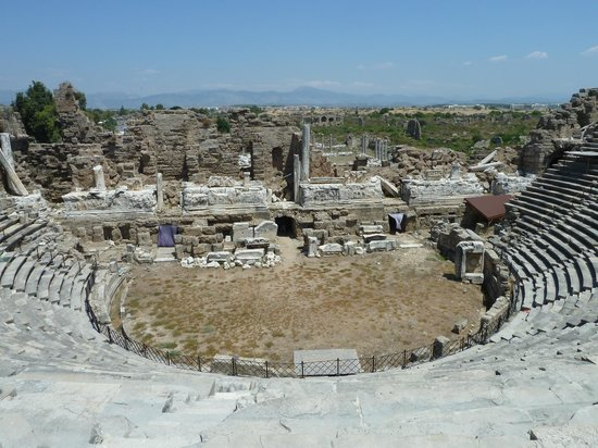Greek Amphitheater: Амфитеатр