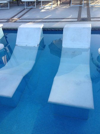 Buenaventura Grand Hotel & Great Moments All Inclusive: They should really consider cleaning and maybe painting these.