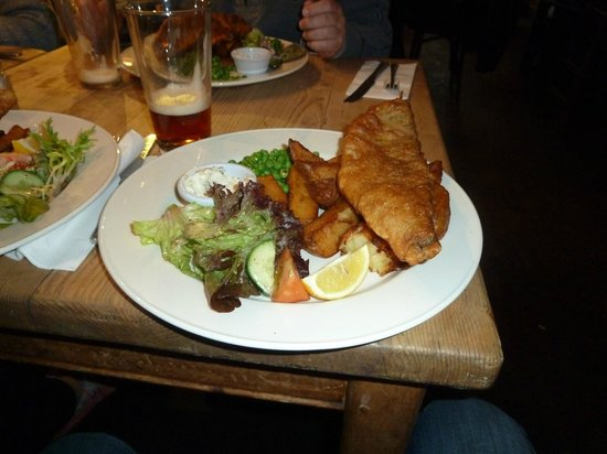 Black Lion: fish and chips