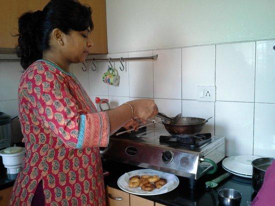 Chennai Magic - Day Tours: Suba cooking