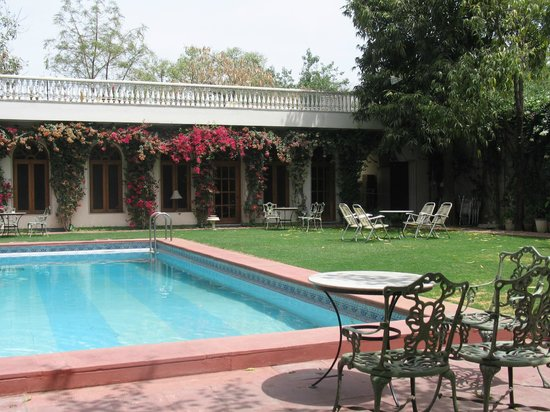 Hotel Meghniwas: View of the pool