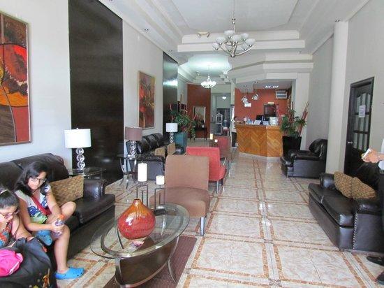 Hotel Puerta del Sol: Purta del Sol lobby