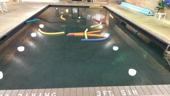 Causeway on Gull: pool