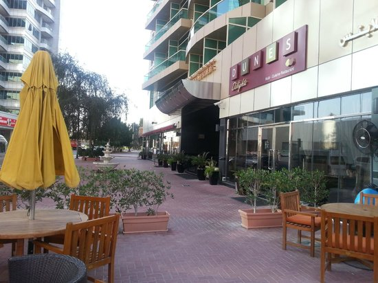 Dunes Hotel Apartments Oud Metha: Outside the hotel.